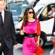 Salma Hayek dans les rues de Paris à son arrivée au défilé Stella McCartney