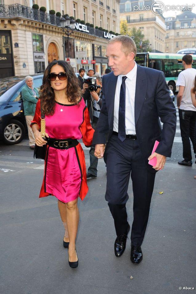 Salma Hayek et son époux François-Henri Pinault à leur arrivée au show de Stella McCartney à Paris le 3 octobre 2011