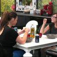 Aurélie et Morgane discutent dans Secret Story 5