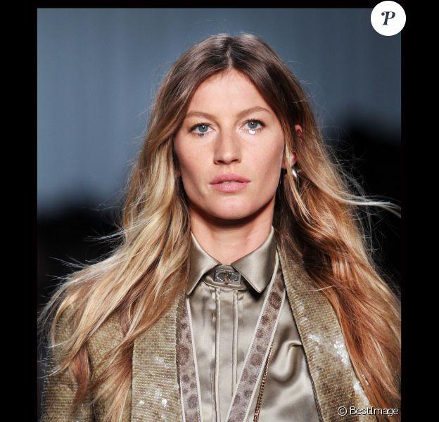 Gisele Bündchen sur le podium Givenchy à Paris