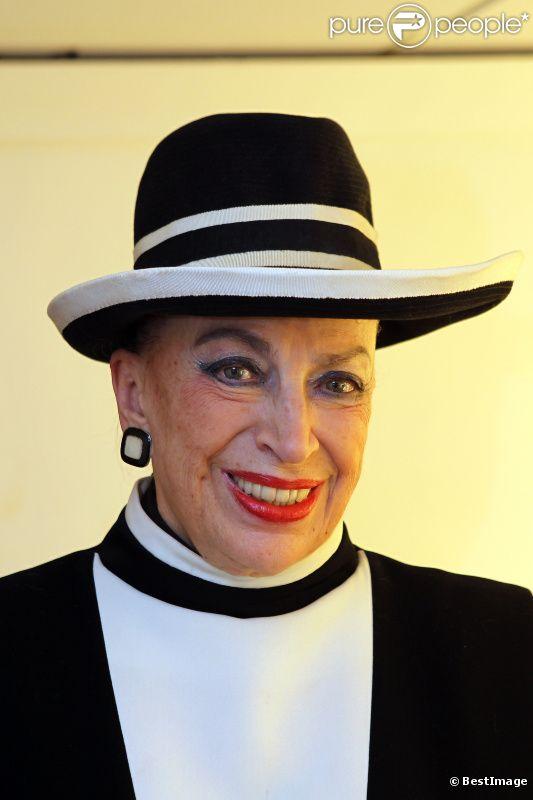 Geneviève de Fontenay dans l'émission Vendredi sur un plateau le 14 octobre 2011 sur France 3