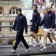 Dimitri Yachvili, Morgan Parra, Vincent Krescher et Julien Bonnaire se rendent au Domaine Onewa le 19 octobre 2011 à travers les rues de la ville d'Auckland pour l'entraînement du XV de France