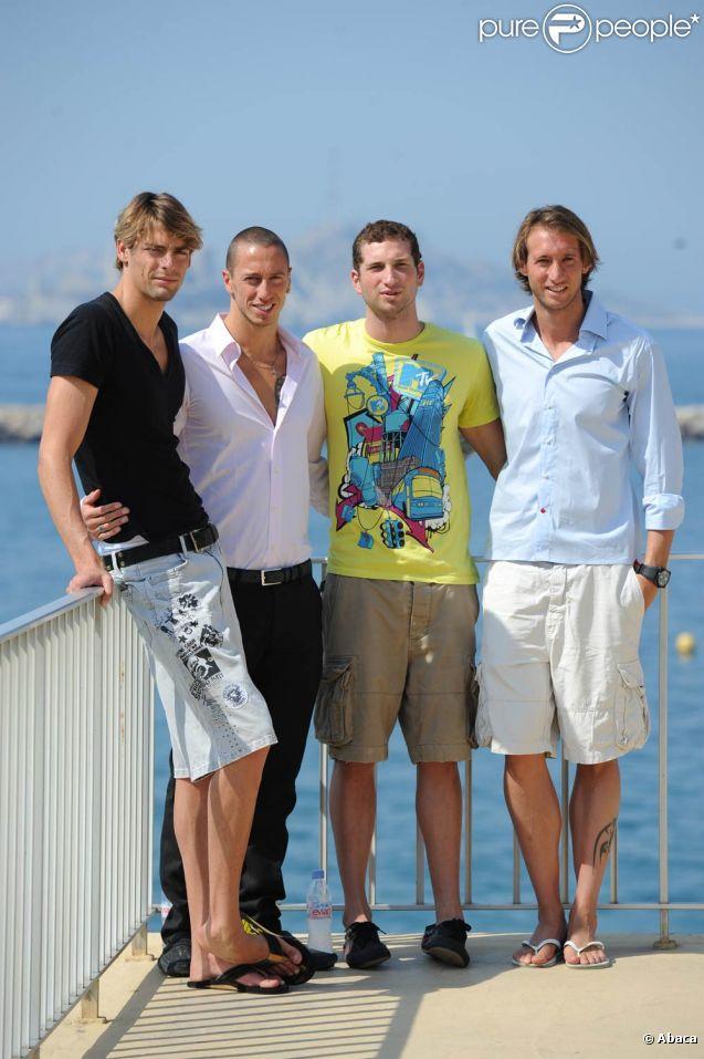 Le 22 octobre 2011, Fabien Gilot (photo : en août 2010 avec ses copains du CNM), illustre Denaisien, a été fait citoyen d'honneur de la ville de Denain. Une première.