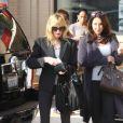 Mélanie Griffith affiche une silhouette plus que mince dans les rues de Los Angeles. Ici, à la sortie du magasin Barneys le 1er novembre 2011
