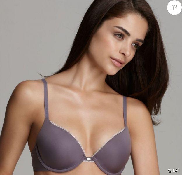 Sexy à souhait, Fernanda Prada pose pour la ligne de lingerie Bloomingdales