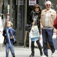Rachel Weisz, son fils Henry et Tim Craig à New York, le 23 octobre 2011.