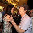 Pas incognito aux abords du circuit Yas Marina... Sir Paul McCartney et son épouse Lady Nancy étaient mi-novembre à Abu Dhabi au moment où s'y courait le Grand Prix de Formule 1, le 13 novembre 2011. Macca reprenait à cette date le cours de sa tournée.