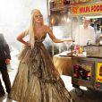 Lady Gaga en plein shooting avec Annie Leibovitz pour  Vanity Fair  (numéro de janvier 2012), à New York, le 12 septembre 2011.
