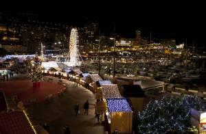 Albert de Monaco et son épouse Charlene enchantés aux côtés du Père Noël