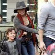 LeAnn Rimes et ses beaux-fils Mason et Jake, font les magasin à Malibu le 11 décembre 2011 en compagnie de leur père Eddi Cibrian (mari de la chanteuse)
