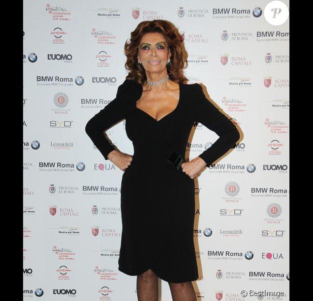 Sophia Loren lors de la soirée organisée en hommage à son défunt mari, Carlo Ponti, à Rome en Italie, le 12 décembre 2011