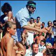 La mythique plage de la Voile Rouge recevait Roger Moore et son épouse de l'époque en 1986