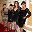Kim Kardashian, Kourtney, Khloe et Kris Jenner à l'occasion de l'inauguration de la boutique kardashian Khaos à Las Vegas le 15 décembre 2011