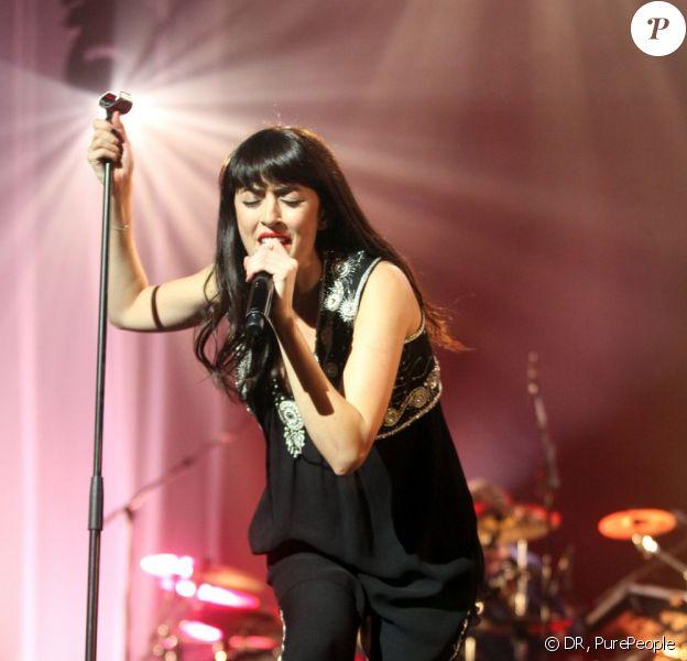 Nolwenn Leroy se produit sur la scène du Zénith de Paris, le samedi 17 décembre 2011.