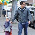 Cash Warren et sa fille aînée Honor, à Los Angeles, le 17 décembre 2011.