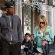 Ashley Tisdale et Robbie Jones sont sortis déjeuner au restaurant Joan's à Los Angeles le 21 décembre.