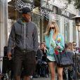 Ashley Tisdale et Robbie Jones, partenaires à l'écran dans la série  Hellcats  ont été aperçu ensemble à la sortie du restaurant Joan's à Los Angeles le 21 décembre.