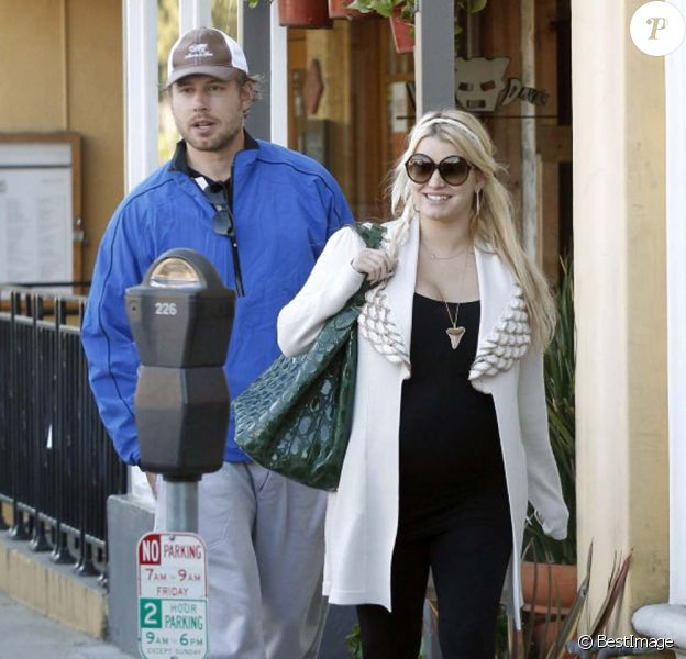 Jessica Simpson et Eric Johnson à Los Angeles, le 27 décembre 2011.
