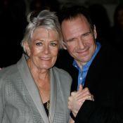 Ralph Fiennes serre contre son coeur la grande Vanessa Redgrave