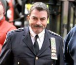 Tom Selleck sur le plateau de tournage de la série Blue Blood le 9 décembre 2011 à New York