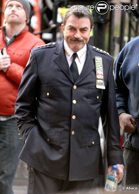 Tom Selleck sur le plateau de tournage de la série Blue Blood le 9 décembre 2011 à New York