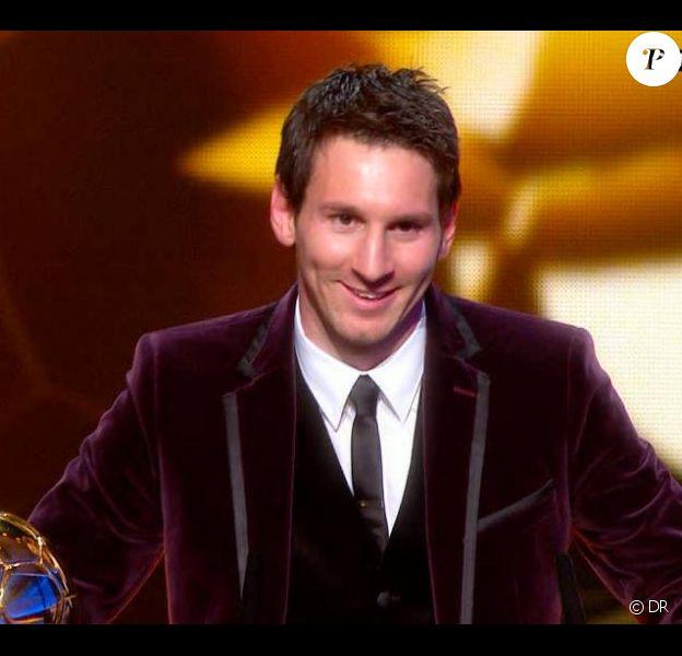 Lionel Messi reçoit le Ballon d'Or 2012 à Zurich le 9 janvier 2012