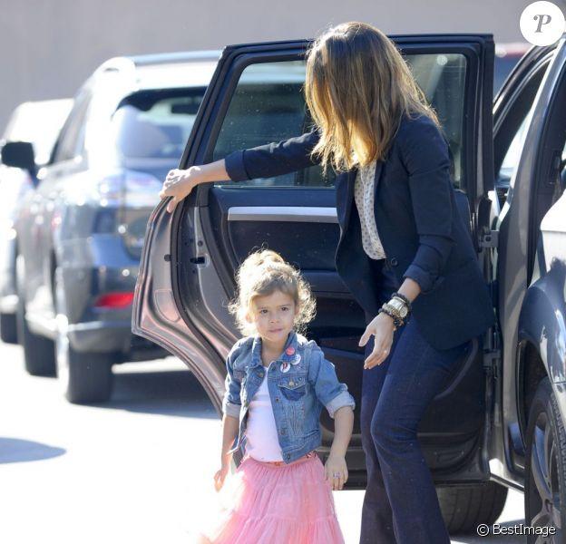 Jessica Alba et Honor sont de sortie à Los Angeles. Le 11 janvier 2012