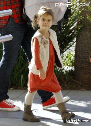Honor Marie Warren, fille de Jessica Alba, à un style très simple et confortable, qui fait mouche à chaque sortie !