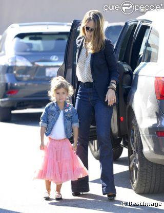 Jessica Alba et sa petite princesse Honor sont des copies conformes aux styles bien marqués.