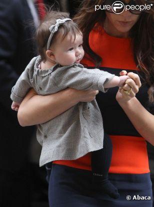 Victoria Beckham et sa petite dernière Harper, une femme et son bébé stylées dans la Grosse Pomme en novembre 2011.