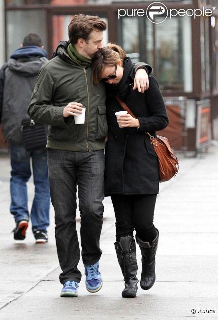 Olivia Wilde et Jason Sudeikis s'embrassent dans les rues de New York, le 13 janvier 2012.