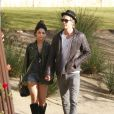 Vanessa Hudgens et Austin Butler se baladent, très amoureux, à Los Angeles, le 10 janvier 2012