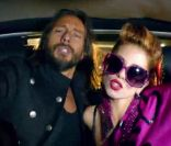 En exclusivité sur  Purepeople.com , le clip de  Rock the Boat , nouvel extrait de  Disco Crash  de Bob Sinclar.   Bob Sinclar dévoilera son nouvel album,  Disco Crash , le 30 janvier 2012, annoncé quelques jours plus tôt par le clip de  Rock the Boat , une collaboration survitaminée avec Pitbull, Dragonfly et Fatman Scoop.