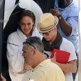 Jennifer Lopez sur son shooting à Miami, son chéri Casper ne la quitte pas.