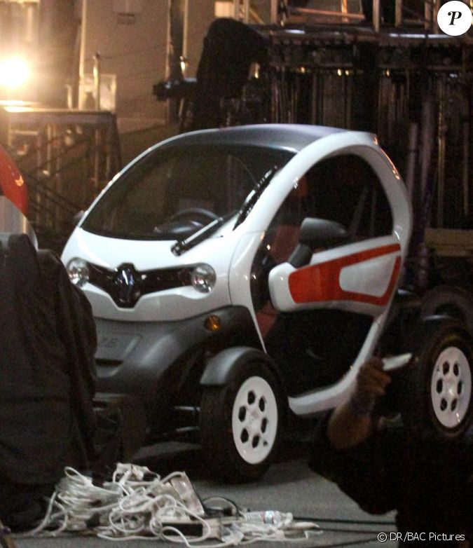 la renault twizy durant le tournage de la pub avec david guetta los angeles le 1er f vrier. Black Bedroom Furniture Sets. Home Design Ideas
