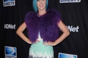 Katy Perry : Célibataire, elle rayonne avec ses sourires et son look réussi