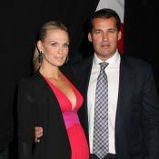 Molly Sims, enceinte et superbe, auprès d'un Ryan Reynolds sexy en célibataire