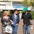 Justin Timberlake et Jessica Biel, accompagnés d'une amie, à la sortie d'un cabinet médical de Los Angeles, le 10 février 2012.