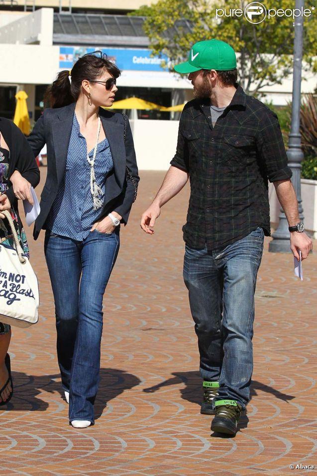Premières photos de Justin Timberlake et Jessica Biel depuis leurs fiançailles. Ici à la sortie d'un cabinet médical de Los Angeles, le 10 février 2012.