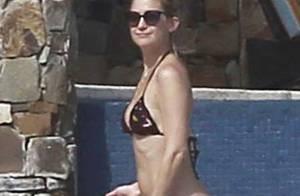 Kate Hudson, amoureuse, dévoile sa silhouette de rêve sous le soleil