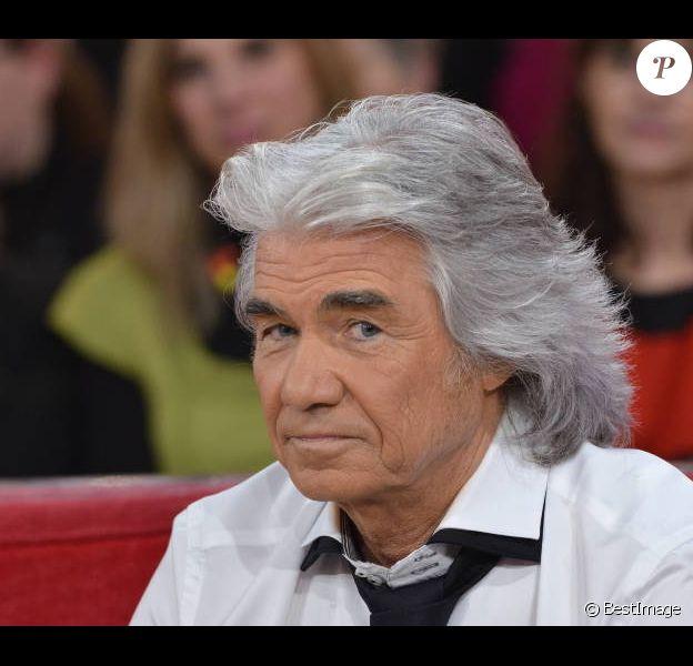 Daniel Guichard sur le plateau de l'émission Vivement Dimanche, diffusée le 29 janvier 2012 sur France 2