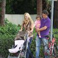 Carlos Moya, sa femme Carolina Cerezuela et leur fille Carla à Miami le 14 février 2012