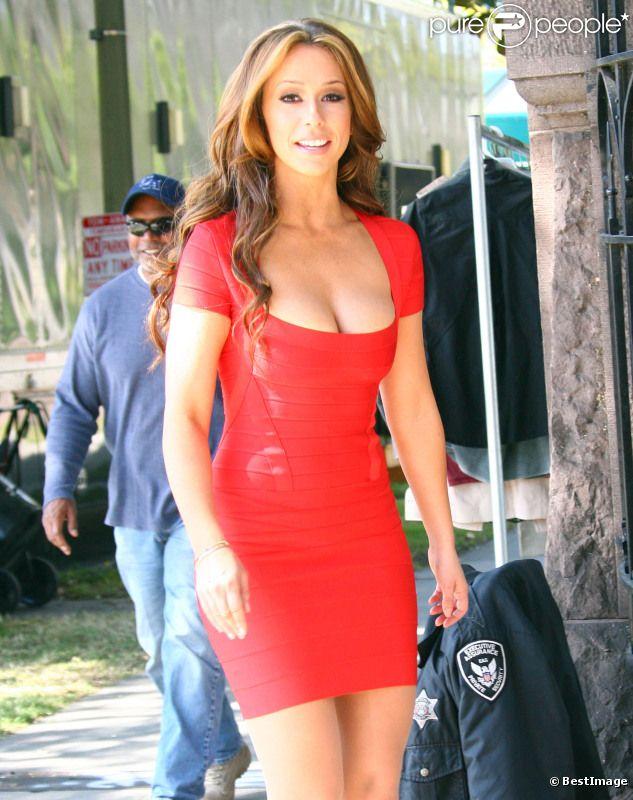 Jennifer Love Hewitt, sublime, sur le tournage de The Client List, le 22 février 2012 à Los Angeles