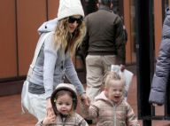 Sarah Jessica Parker ne sait plus où donner de la tête avec ses jumelles