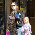 Jennifer Garner, enceinte, et sa fille Violet, le 24 février 2012 à Los Angeles