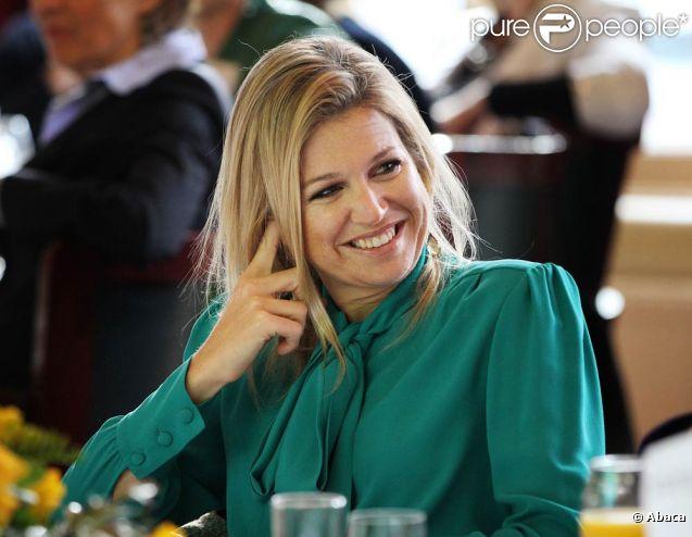 La princesse Maxima au petit déjeuner Female TOP Talent le 8 mars 2012, date de la journée de la femme.   Après la tragédie familiale qui a frappé la famille royale des Pays-Bas en février 2012 (le prince Friso, victime d'une avalanche, est tombé dans le coma), il a fallu se remettre au travail...