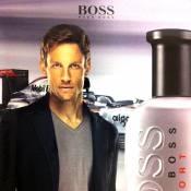 Jenson Button : le beau champion de Formule 1 devient une virile égérie beauté
