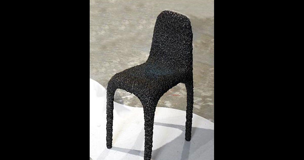 Chaise en bronze achetee par brad pitt for Chaise pour bronzer