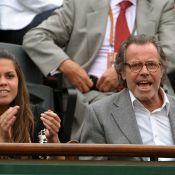 A Roland Garros, il y a les people qui s'éclatent et ceux qui roupillent !