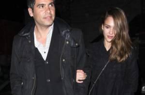 Jessica Alba et Cash Warren inséparables et complices pour un dîner en amoureux